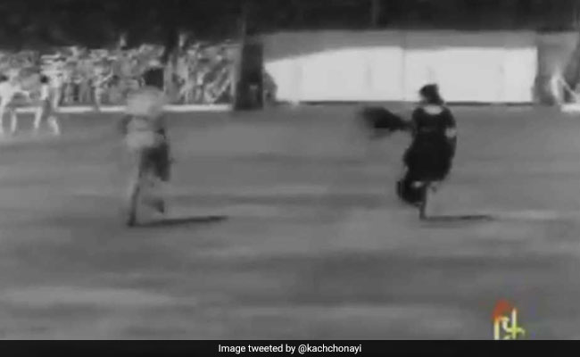 Twitter Crowns 1975 Pitch Invader Winner Of #SareeTwitter