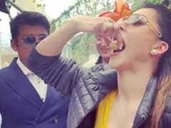 Video: बॉलीवुड एक्ट्रेस ने खाए गोल-गप्पे, बोलीं- भैया थोड़ा स्पाइसी बनाओ...