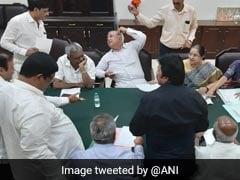 संकट में कर्नाटक सरकार! कांग्रेस के 8 और जेडीएस के 3 विधायक इस्तीफा देने राजभवन पहुंचे