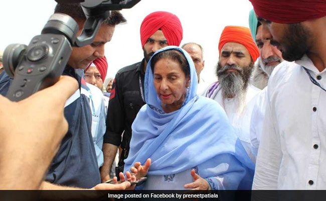 Amarinder Singh's Wife Faints During Cleanup Campaign In Patiala