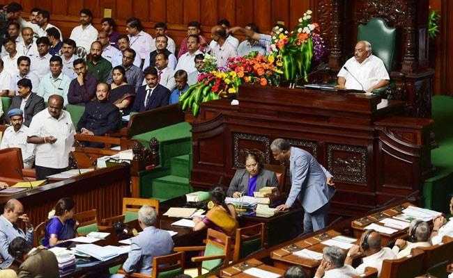 कर्नाटक : विधानसभा अध्यक्ष ने बागियों को समन भेजा, उत्तर मिला- इस्तीफा दे चुके तो क्यों आएं
