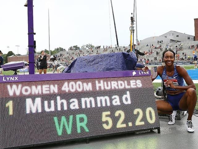 Dalilah Mohammad makes a new world record in 400m hurdles