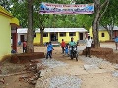 छत्तीसगढ़ : 'नक्सलियों की राजधानी' में 13 साल बाद बजी स्कूल की घंटी, सुरक्षा आज भी चुनौती; देखें- VIDEO