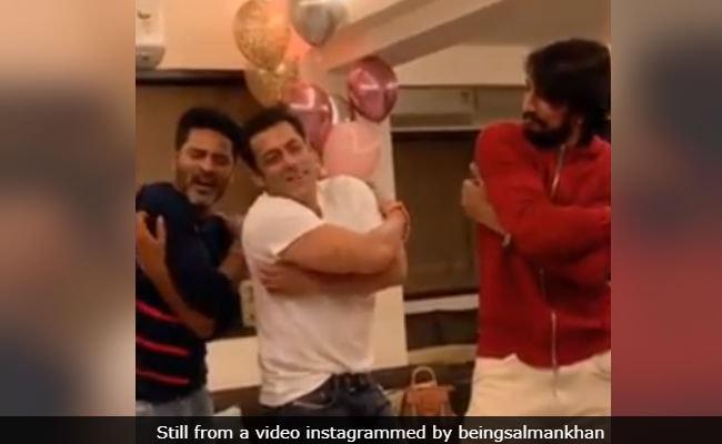 Salman Khan Gets An Urvashi Dance Lesson From Prabhu Deva Himself. How Did He Do?