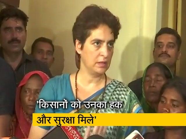 Videos : सोनभद्र हत्याकांड: पीड़ितों के परिवार से मिलने के बाद पत्रकारों से क्या बोलीं प्रियंका गांधी