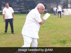 BJP's Yeddyurappa Plays Cricket With Party Legislators At Bengaluru Hotel