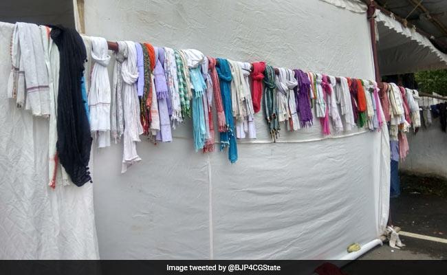 छत्तीसगढ़ CM आवास में जाने से पहले उतरवाया 'दुपट्टा-पगड़ी', BJP ने खोला राज तो कांग्रेस ने मांगी माफी