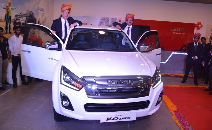 Ken Takashima Deputy MD, Isuzu India with Abhenav Akar, MD, Akar Isuzu launched the V-Cross