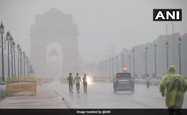 Weather Updates: दिल्ली एनसीआर में मौसम हुआ खुशनुमा, आज दिन भर झमाझम बारिश की संभावना, जानें अपने राज्य का मौसम