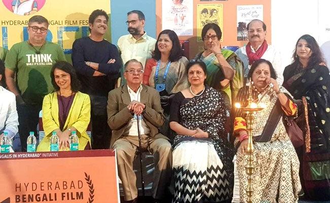 মঞ্চে একঝাঁক বাঙালি তারকার উপস্থিতিতে চলচ্চিত্র উৎসবের সূচনায় নাগার্জুন