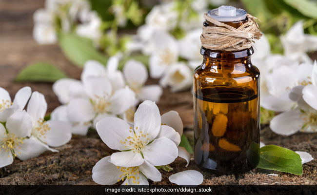 7 Ways To Pamper Yourself With The Goodness Of Jasmine