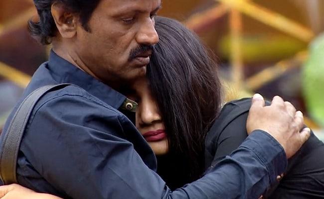 Bigg Boss 3 Tamil, Day 23 Written Update: Housemates Fight Over Chocolate, Losliya Breaks Down