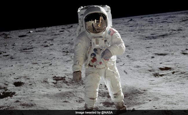 Moonwalker Buzz Aldrin marks Apollo 11 anniversary at launch site
