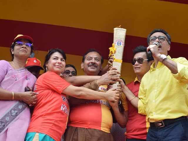 Bhaichung Bhutia Kick-Starts Centenary Celebrations Of East Bengal FC With Grand Torch Rally