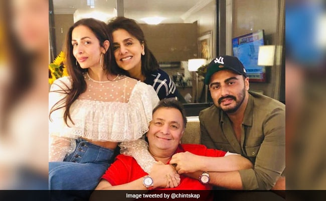 'Ghar Ka Bacha' Arjun Kapoor And 'Lovely' Malaika Arora Visit Rishi And Neetu Kapoor In New York. See Pic