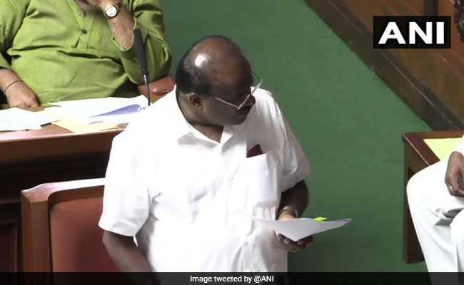 TOP 5 News: कर्नाटक में फ्लोरटेस्ट के लिए तैयार सीएम कुमारस्वामी, यूपी में जय श्री राम के नारे नहीं लगाने पर मदरसे में बच्चों की पिटाई