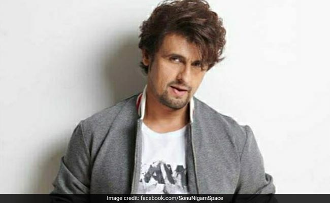 Sonu Nigam Sings Kal Ho Naa Ho. 'PS - With A Mask On'