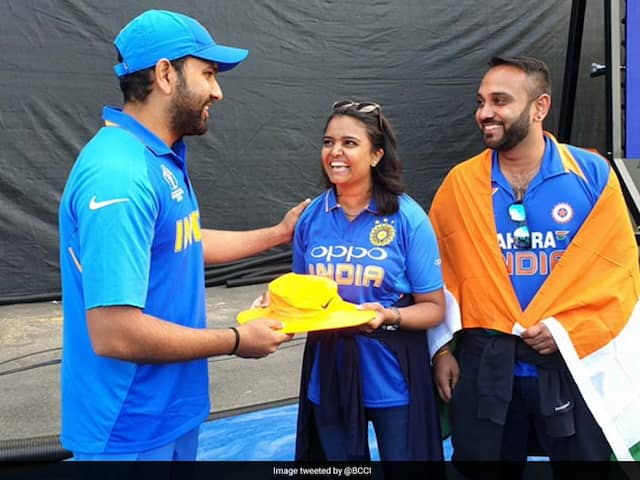 Rohit Sharmas Gesture After His Over Boundary Hits Fan, Wins Hearts On Twitter