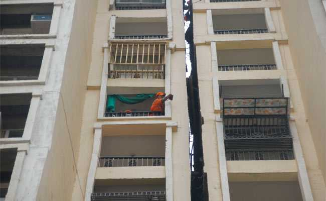 Body Of Woman Found Stuck Between Noida Residential Buildings At 120 Feet