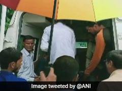 उत्तराखंड: टिहरी में स्कूल बस खाई में गिरने से 9 बच्चों की मौत, तो बद्रीनाथ हाईवे पर बस पर पत्थर गिरने से 5 मरे