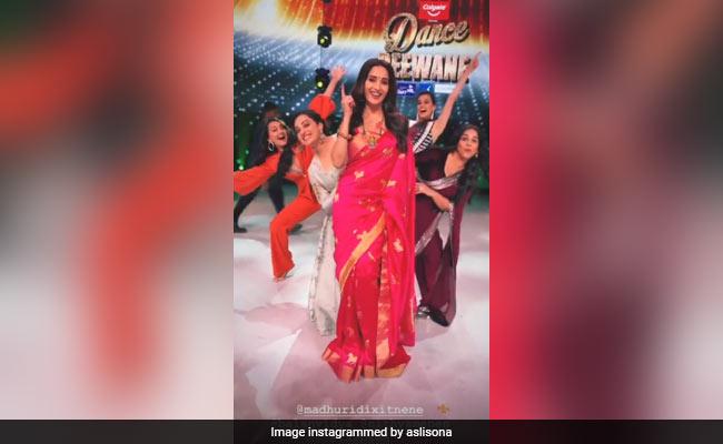 Mission Mangal : When Vidya Balan, Sonakshi Sinha And Taapsee Pannu Became 'Dance Deewane' With Madhuri Dixit