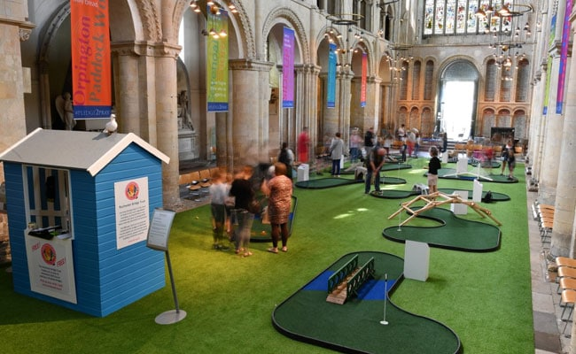 Golf Course In Cathedral Draws Fans - And Criticism