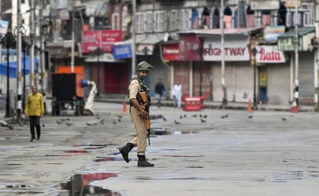जम्मू-कश्मीर से अनुच्छेद 370 हटाने के खिलाफ याचिकाओं पर आज सुनवाई करेगा सुप्रीम कोर्ट