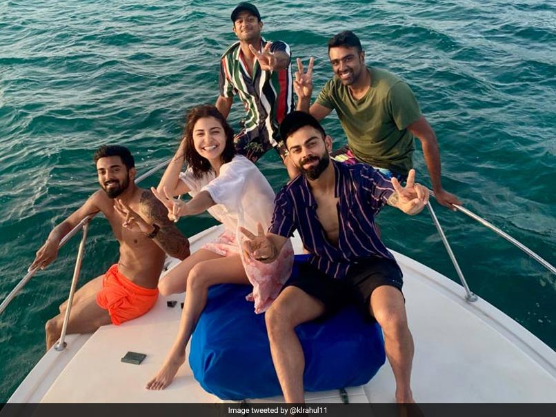 Anushka Sharma joins Virat Kohli, KL Rahul and teammates on a yacht