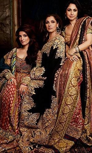 Dimple Kapadia, Twinkle And Rinke Are Stunners In Pic From 2004