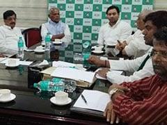 बिहार: तेजस्वी यादव ने महागठबंधन के नेताओं को आखिरकार अपना मोबाइल नंबर दिया