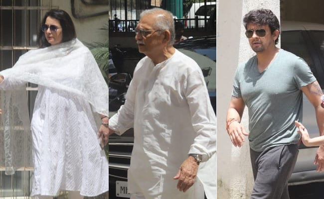 After Legendary Composer Khayyam's Death, Gulzar, Sonu Nigam Visit Family