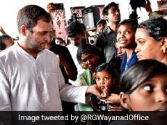 बाढ़ से जूझ रहे केरल में अपने संसदीय क्षेत्र वायनाड पहुंचे राहुल गांधी, मदद की अपील की