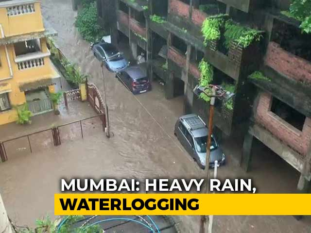 Video : High Tide, Heavy Rain In Mumbai; Don't Go Near Beach, Says Civic Body