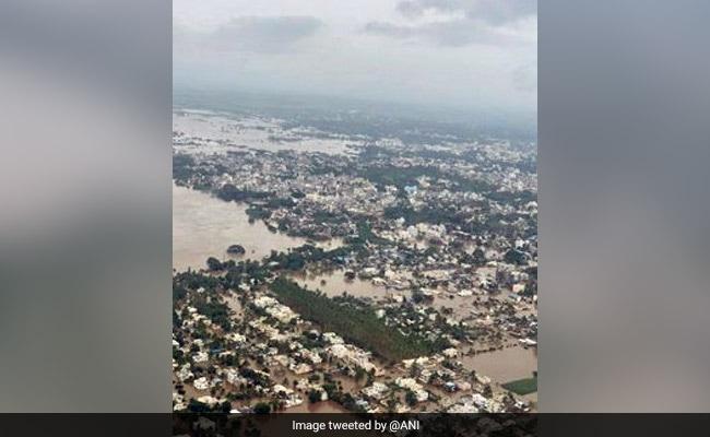 महाराष्ट्र के सांगली में बाढ़ मचा रही तबाही, सीएम देवेंद्र फडणवीस ने किया हवाई दौरा