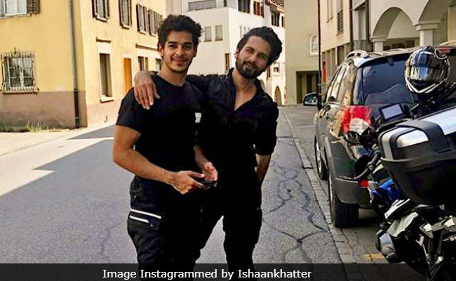 Pic: The One With Shahid Kapoor And Ishaan Khatter's 'Ultimate Photobomb' Moment