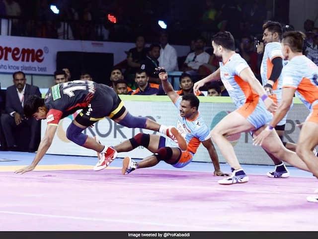 PKL 7: Jaipur Pink Panthers Notch Up 34-21 Over Patna Pirates