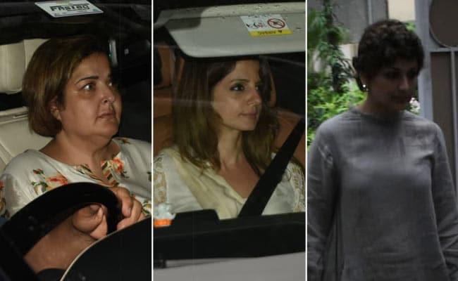 Sunaina Meets Hrithik Roshan After Grandfather J Om Prakash's Death. Sussanne Khan, Sonali Bendre Visit The Roshans