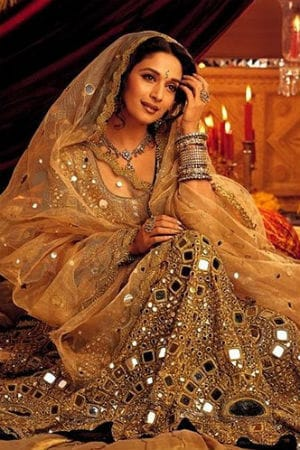 The Story Of Madhuri's 10-Kg Lehenga In 'Devdas'