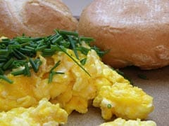 Egg Hack: How To Make Mess-Free Scrambled Eggs Using Just Water (Watch Video)