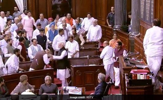 जम्मू-कश्मीर से धारा 370 हटाने के लिए मोदी सरकार ने क्यों चुना यही समय?