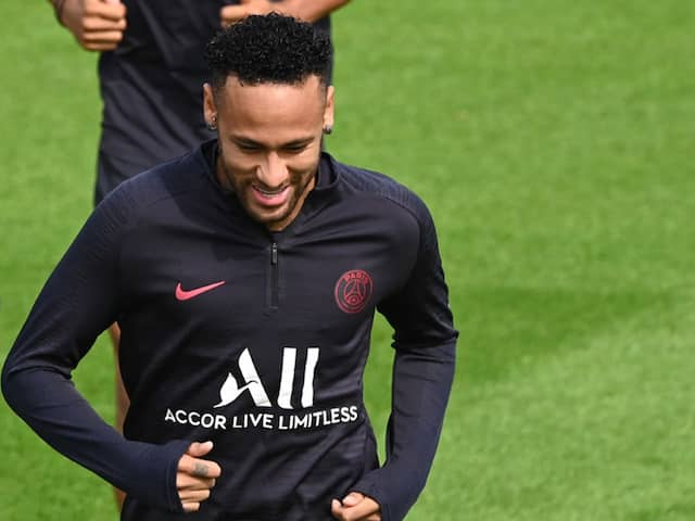 Barcelona Officials Head To Paris For Neymar Talks: Reports