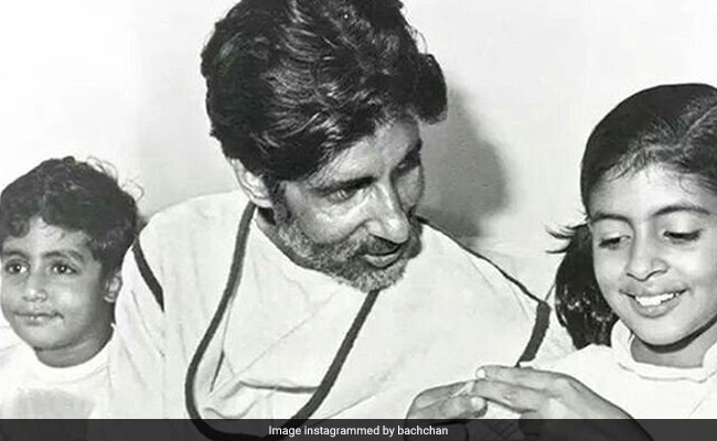 अमिताभ बच्चन की फोटो शेयर कर अभिषेक बच्चन ने बताई दास्तान, कहा - आज ही डॉक्टर्स ने किया था चमत्कार...