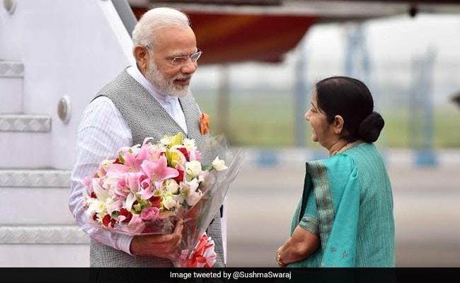 जब सुषमा स्वराज ने पीएम मोदी को सिखाया 'पहला सबक', बोलीं- 'ऐसा नहीं होता है भाई...'