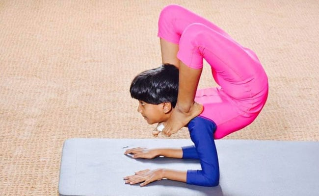 Meet 10-Year-Old Prodigy Who Teaches Yoga To Visually Impaired