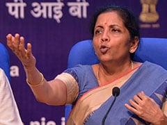 वित्त मंत्री निर्मला सीतारमण बोलीं, बैंकों के विलय से नहीं जाएगी किसी की नौकरी