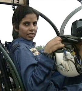 Gunjan Saxena The Kargil Girl Who Became First Indian Woman In Combat