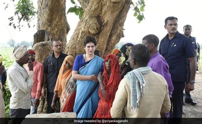 प्रियंका गांधी ने सोनभद्र नरसंहार मामले में किया ट्वीट, बोलीं- आदिवासी बहनों-भाइयों से बात करके यह स्पष्ट हुआ कि...