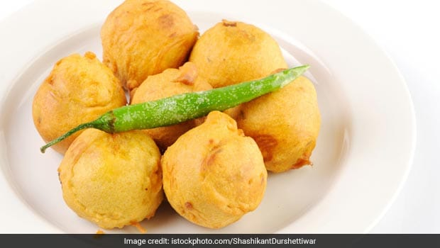 Watch: How To Make Street-Style Moong Dal Pakoda At Home (Recipe Video)
