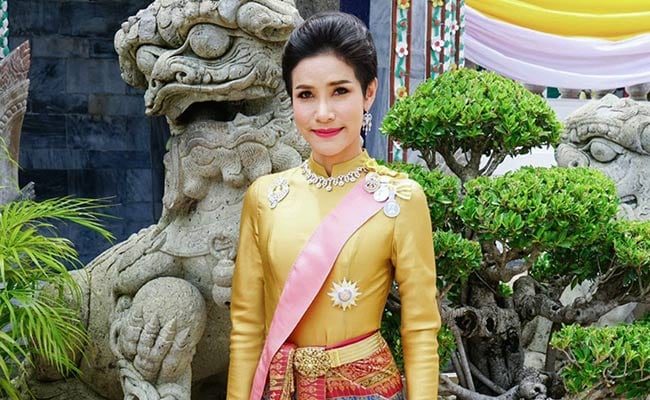 Thai palace shares photos of king and newly-named royal consort