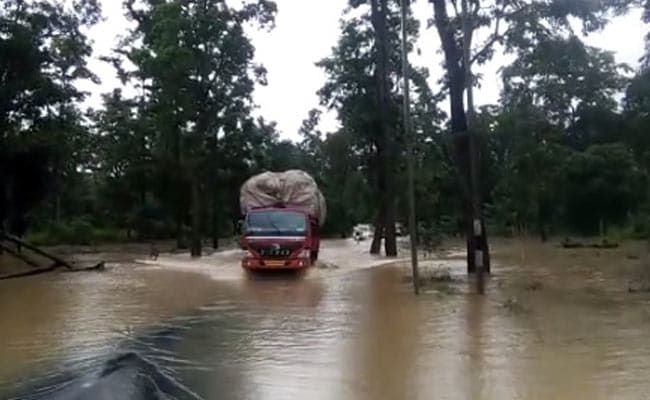 Weather Highlights: Heavy Rain, Flood In Parts Of Maharashtra; 3 Kerala Districts On 'Red Alert'